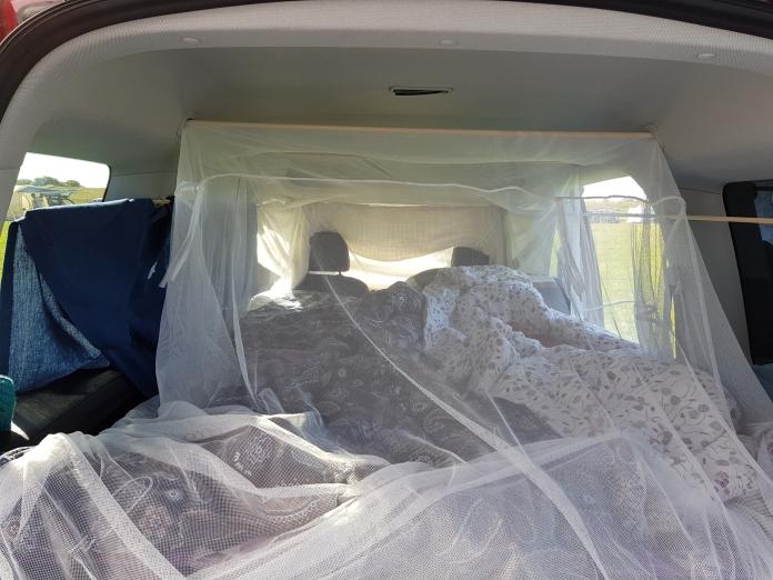Bett gemacht im VW Caddy mit der QUQUQ Box