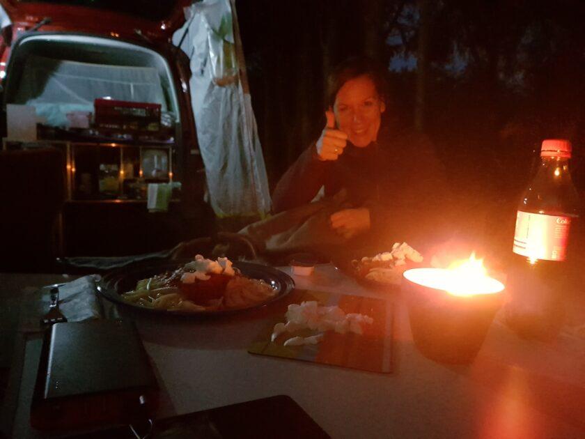 Später am Abend gabs dann lecker Nudeln vom Camping-Kocher.