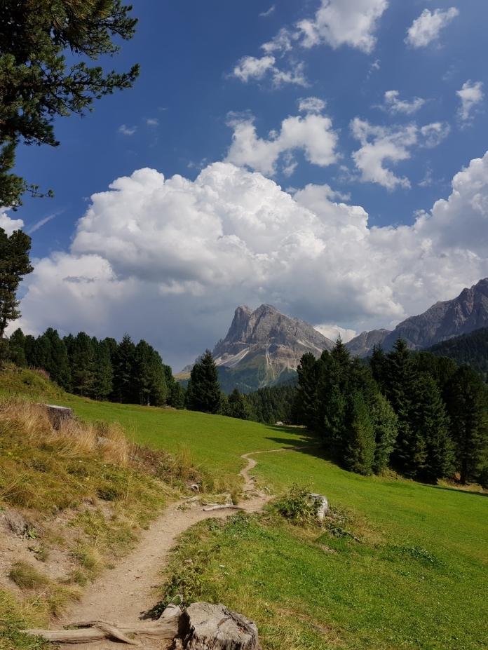 Wunderschöne Wanderpfade in den Dolomiten