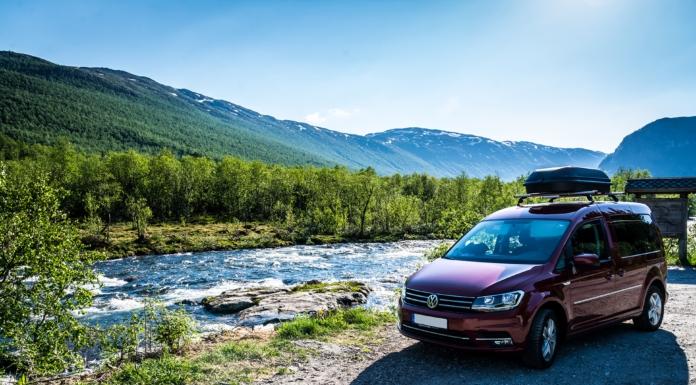 Unterwegs zur Hängebrücke in Norwegen