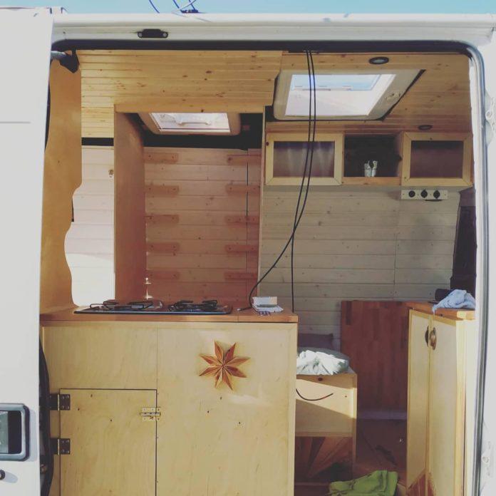 DIY Camper - Küche und Esszimmer