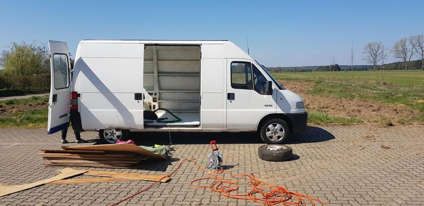 Citroen Jumper entrümpeln für den Wohnmobil Ausbau