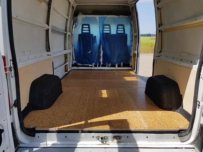LivingBoard Bodenplatte in unserem künftigen Wohnmobil
