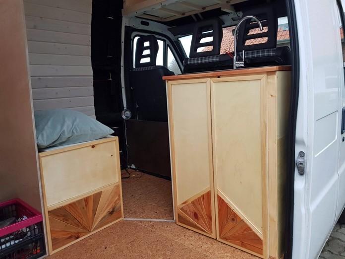 Der Spülschrank in unserem DIY Camper