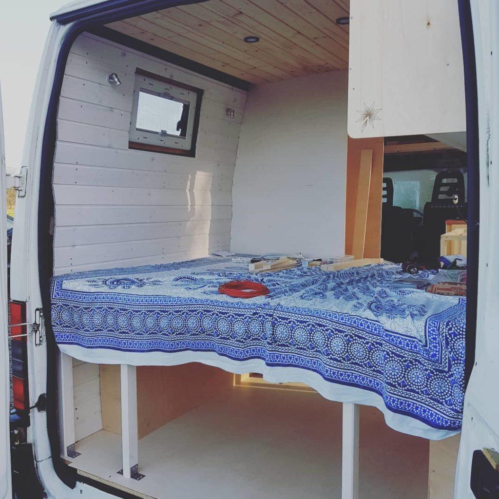 Das Schlafzimmer im DIY Camper