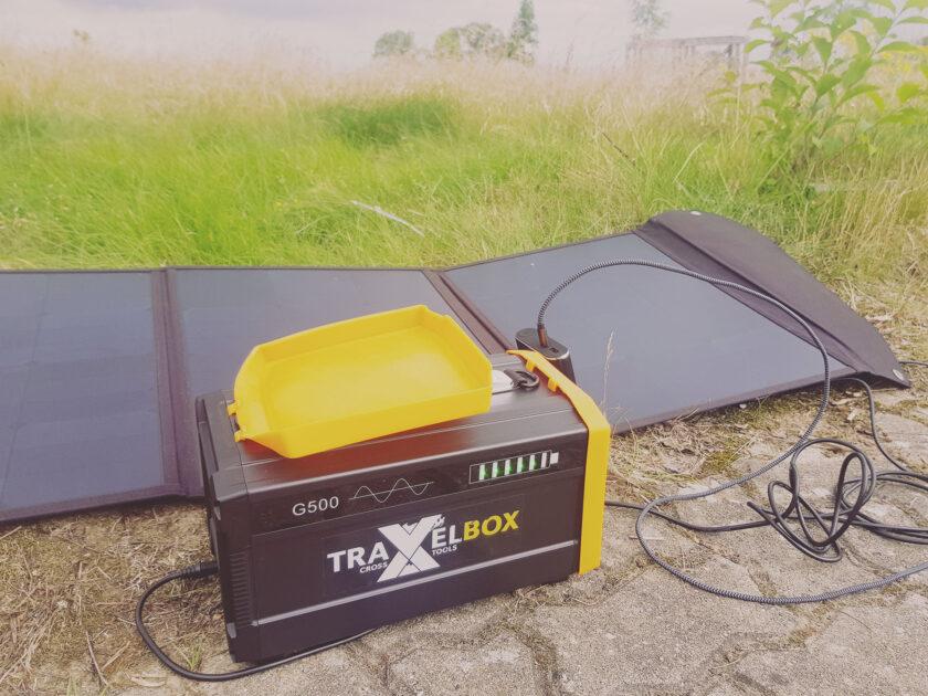 SolarPanel läd TRAVELBOX 500 und Powerbank gleichzeitig